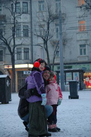 Sisters in salzburg 1-01-2009 6-10-55 PM