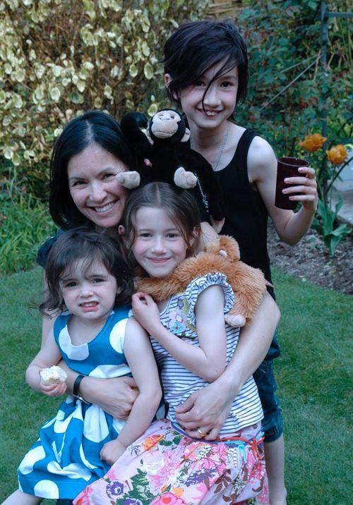 Mama and girls