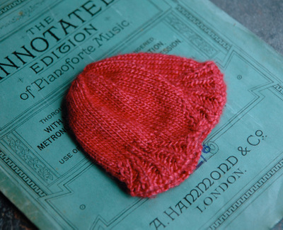 Red_hat_wool_silk