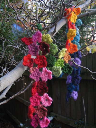 Flower_scarf_2_tree