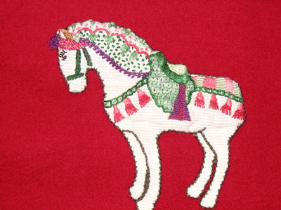 Horse_red_ground