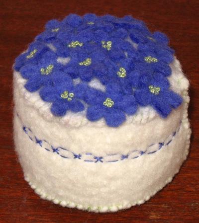 Pincushion_violets_1