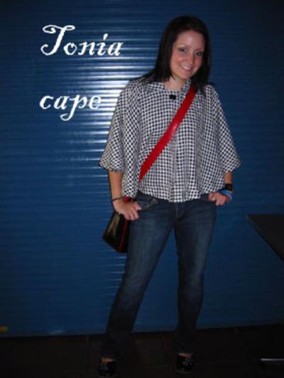 Tonia_capte_main